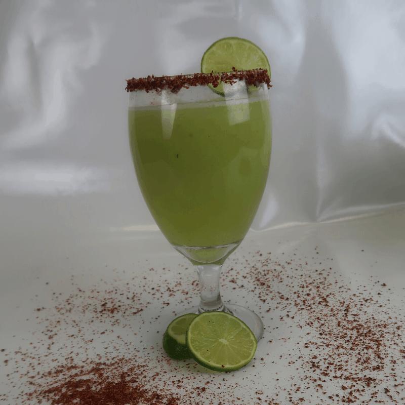 agua de pepino limon y chile