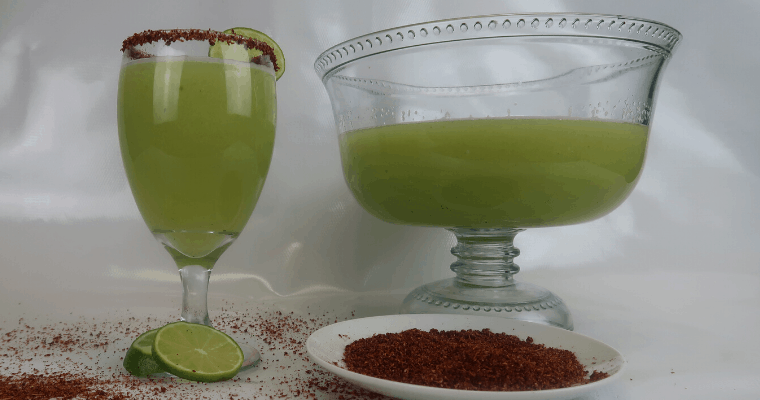 CUCUMBER DRINK WITH LIME AND CHILE